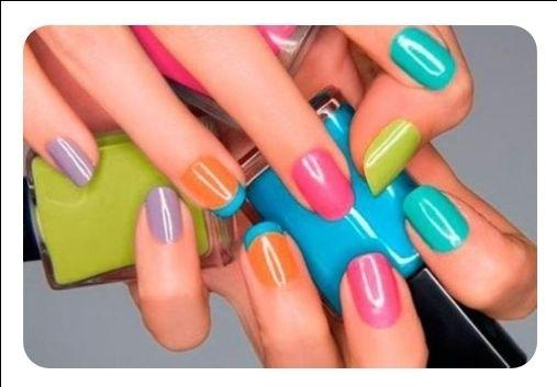 IL SALONE DI REBECCA – Parliamo di manicure